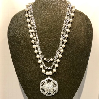 MW Pearls & Chains Necklace with Crystal Medalion